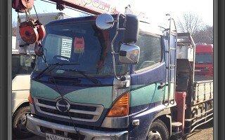 Автоэлектрик всю ночь паял провода и кнопочки печки грузовика Хино Рейнджер (Hino Ranger)…