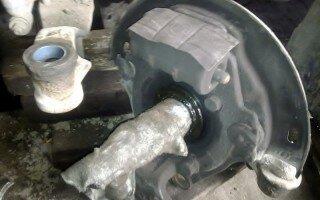 Исузу Гига (Isuzu Giga) Ремонт балки. Перевтуливать или ремонтировать полимером?