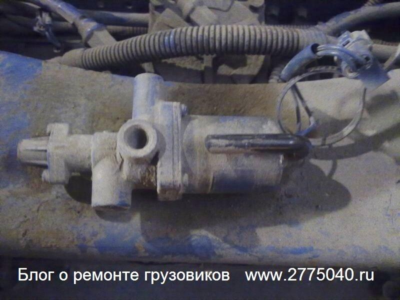 Закисший соленоид пневмоподвески Исузу Гига (Isuzu Giga) Автосервис «Первый» Владивосток